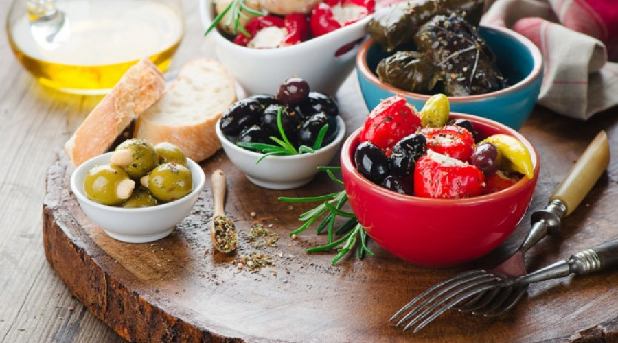 Top Traditional Greek Products for a Mediterranean Diet