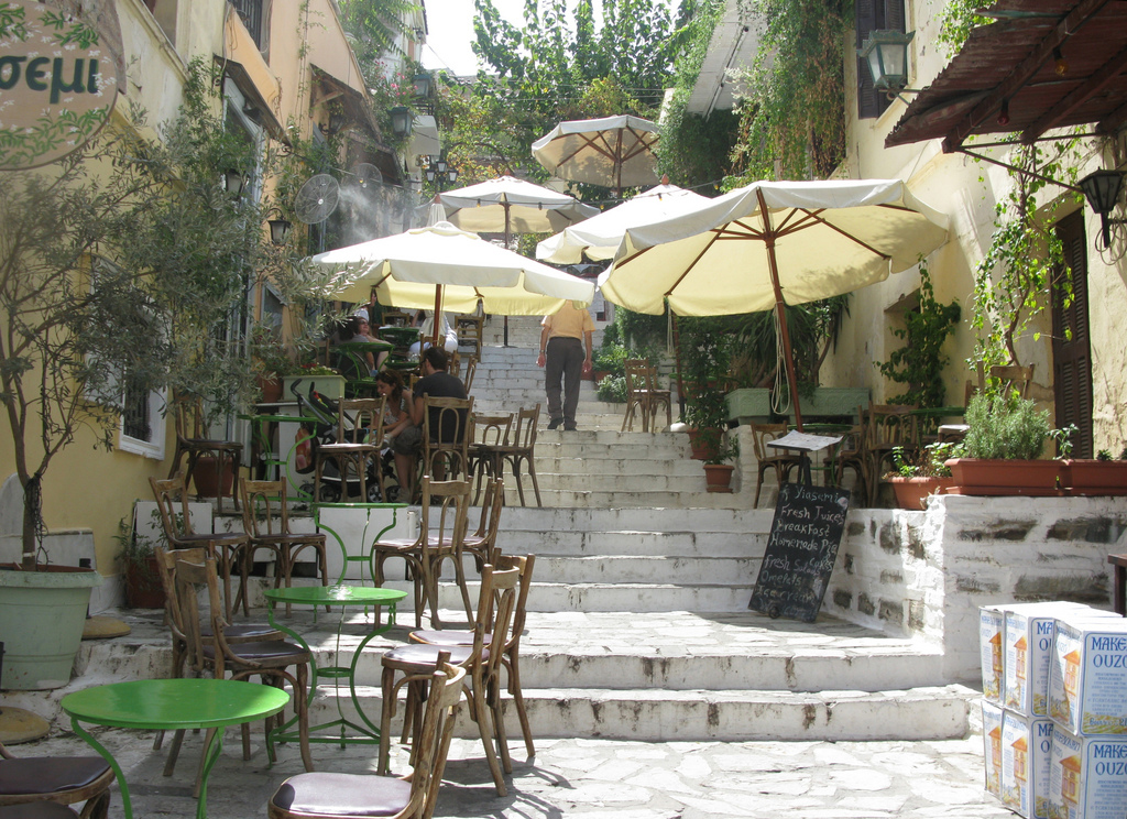 cafe-at-plaka-area