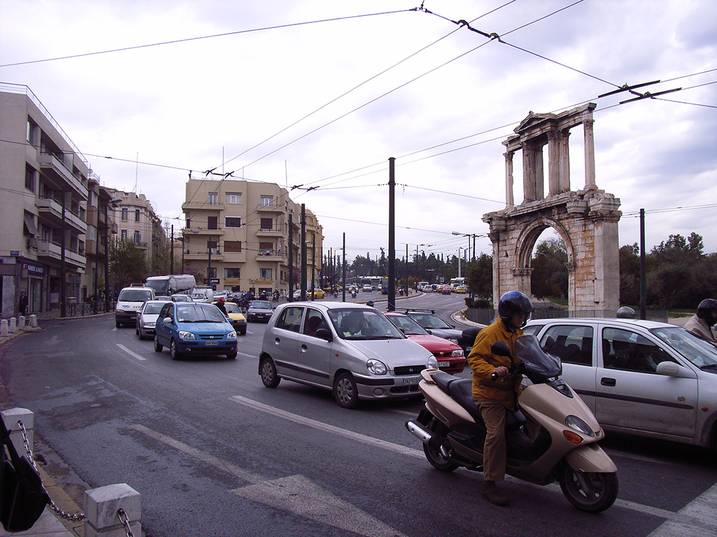 driving-in-Athens2