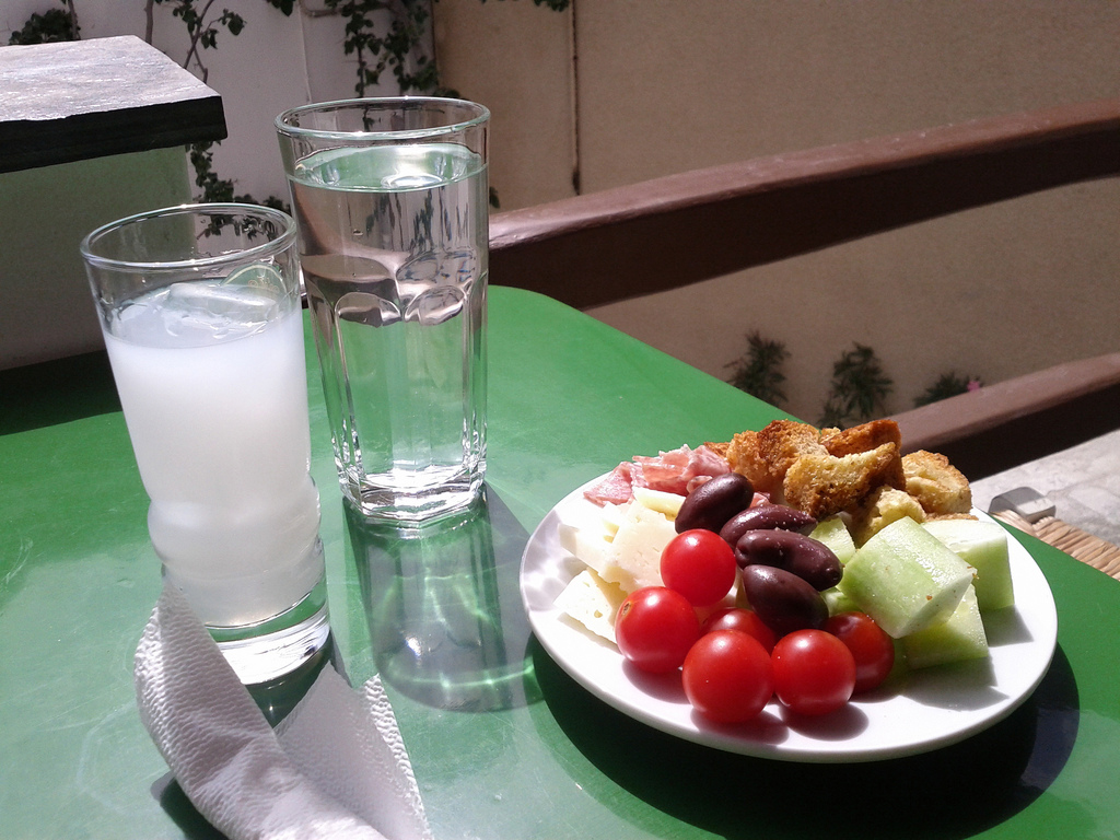 greek-meze-plate-for-ouzo