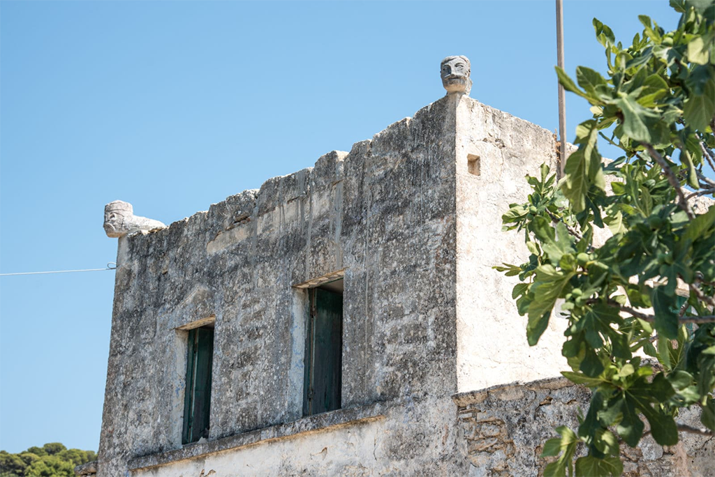 hiking-aegina-rodakis-house